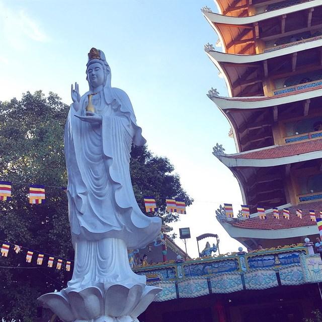 Tháng 7 nên ghé những ngôi chùa CẦU AN nổi tiếng gần Sài Gòn.